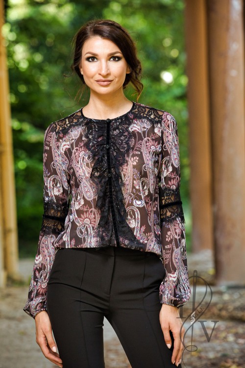 exquisite blouse with chiffone-gergete and lace