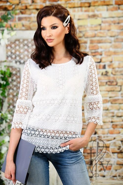 Effective lace blouse