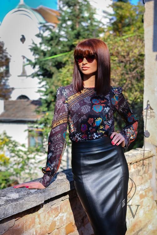 Beautiful lady's blouse print