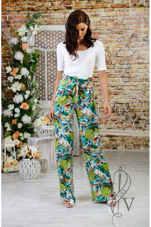 Boutique straight pants with leaves