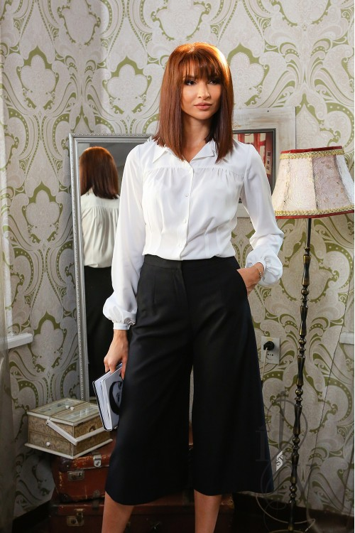 Stylish skirt trousers