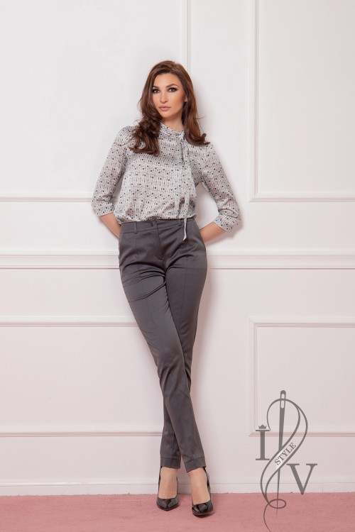 Sporty-elegant gray pants