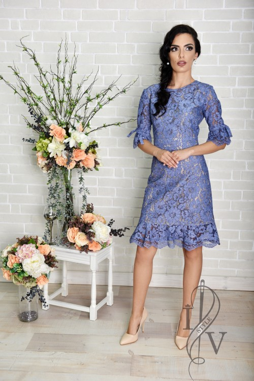 Blue lace dress with furbelow