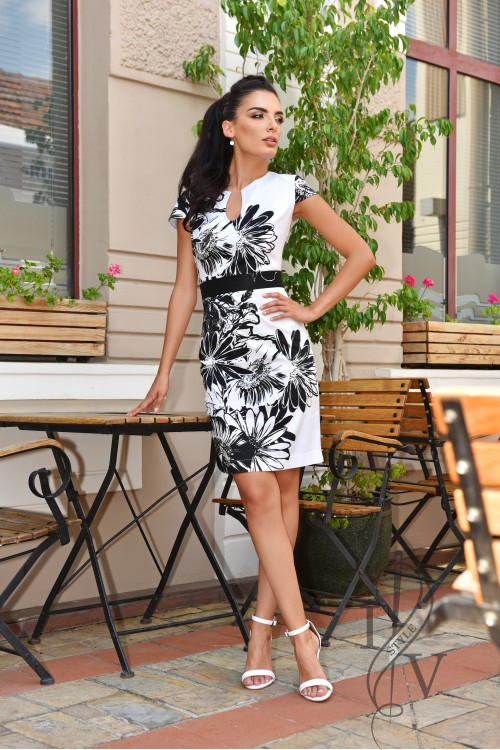 Boutique dress in black and white