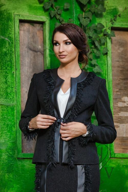 Черно сако с ресни и кожа