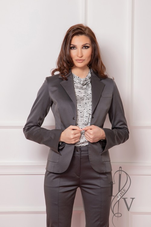 "Gray jacket with outer pockets ""Challenge"""